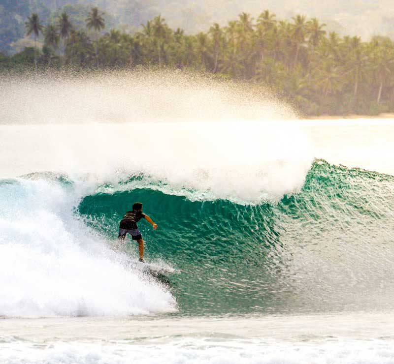 Wicked waves in Maldives